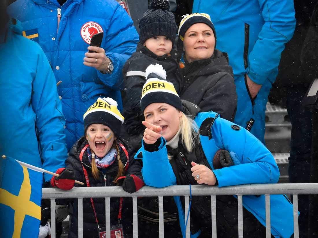 Mette Marit och Estelle på VM i Åre