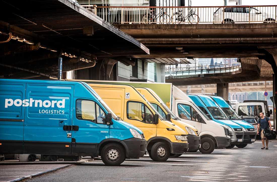 PostNord har hamnat i skandal efter skandal efter att brev, paket och viktig post inte kommit fram. Nu avslöjar Dagens Nyheter att bolaget står nära konkurs.