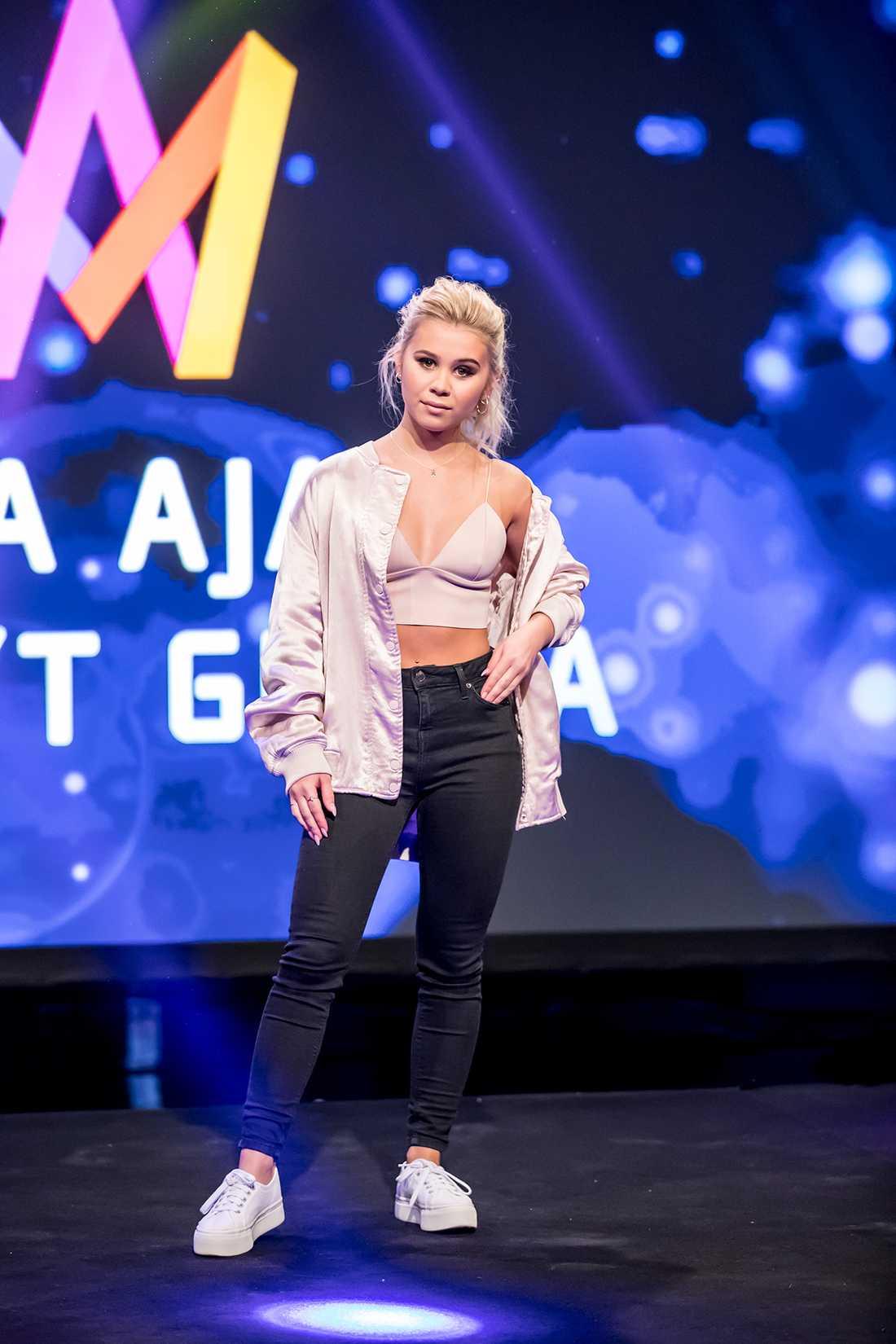 Lisa Ajax.