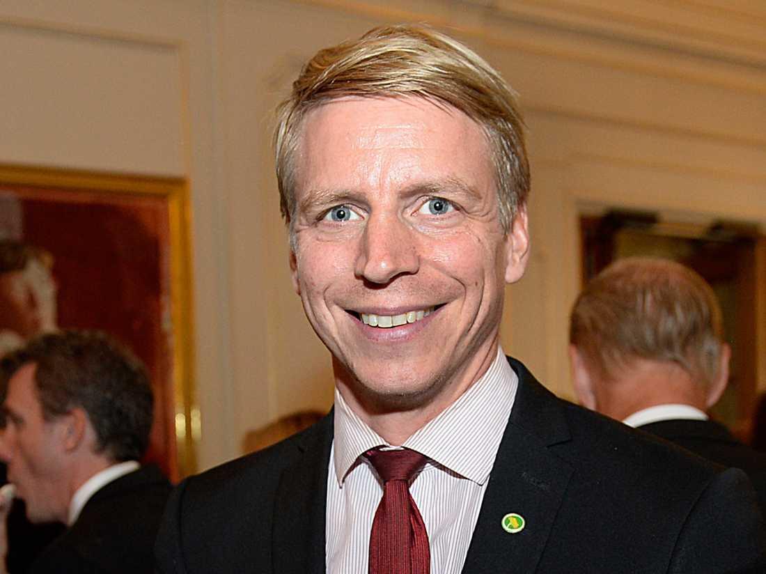 Finansmarknads- och konsumentminister Per Bolund (MP), 43