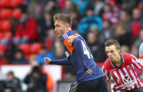 Muamer Tankovic gjorde sitt första framträdande i Premier League 28 januari 2014, i Fulhams 0-2-förlust mot Swansea.