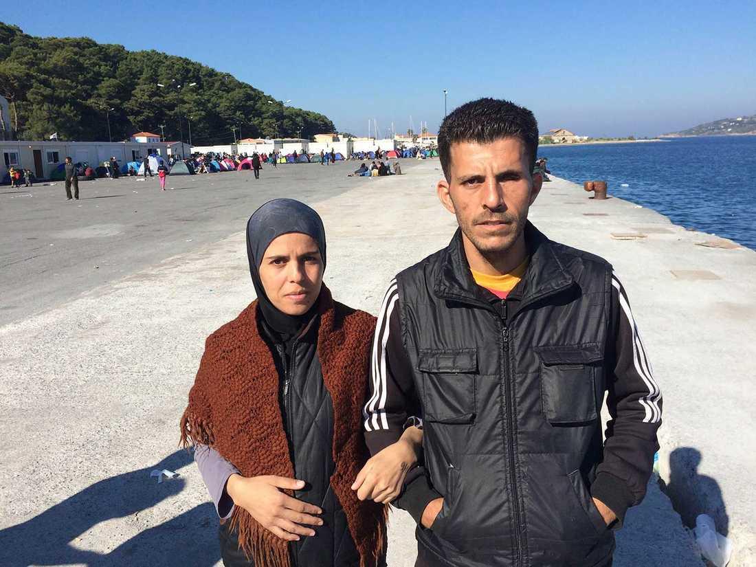 Jasmine al-Qorani och maken Derar ALi i lägret på Samos.