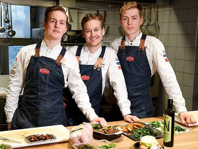 Kockarna Olle Broström, Gustav Leonhardt och Oskar Persson. De vann Kock-OS i år. Här berättar de hur de lagar klimatsmart mat.
