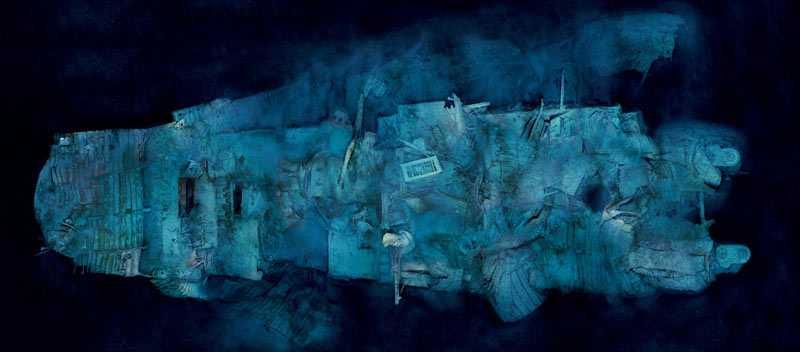 När Titanic bröts sönder fylldes den bakre delen med vatten och började sjunka. Vattenmassorna fick hela våningsplan att kollapsa när aktern sjönk med hög hastighet. Vattentrycket gjorde att stålmassorna manglades sönder som av en korkskruv till fullständig oigenkännlighet.