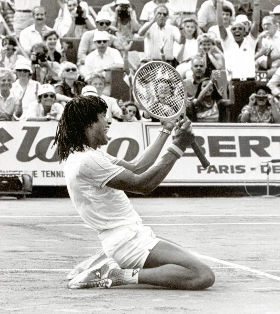 1983, Yannick Noah (FRA)  Wilander fick dock nöja sig med föregående års vinst i Franska öppna. 1983 vann Yannick Noah finalen mot Wilander med 6-2, 7-5, 7-6.