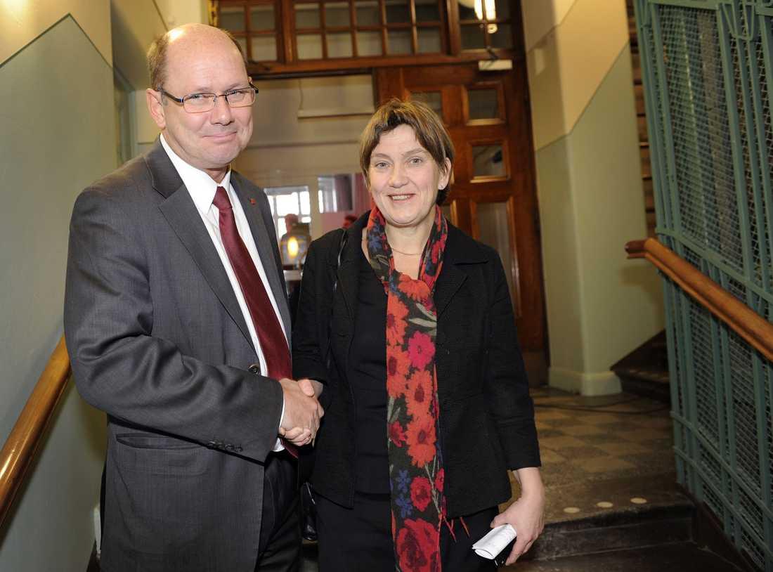 Urban Ahlin och Lena Sommestad (ordförande för S-kvinnorna).