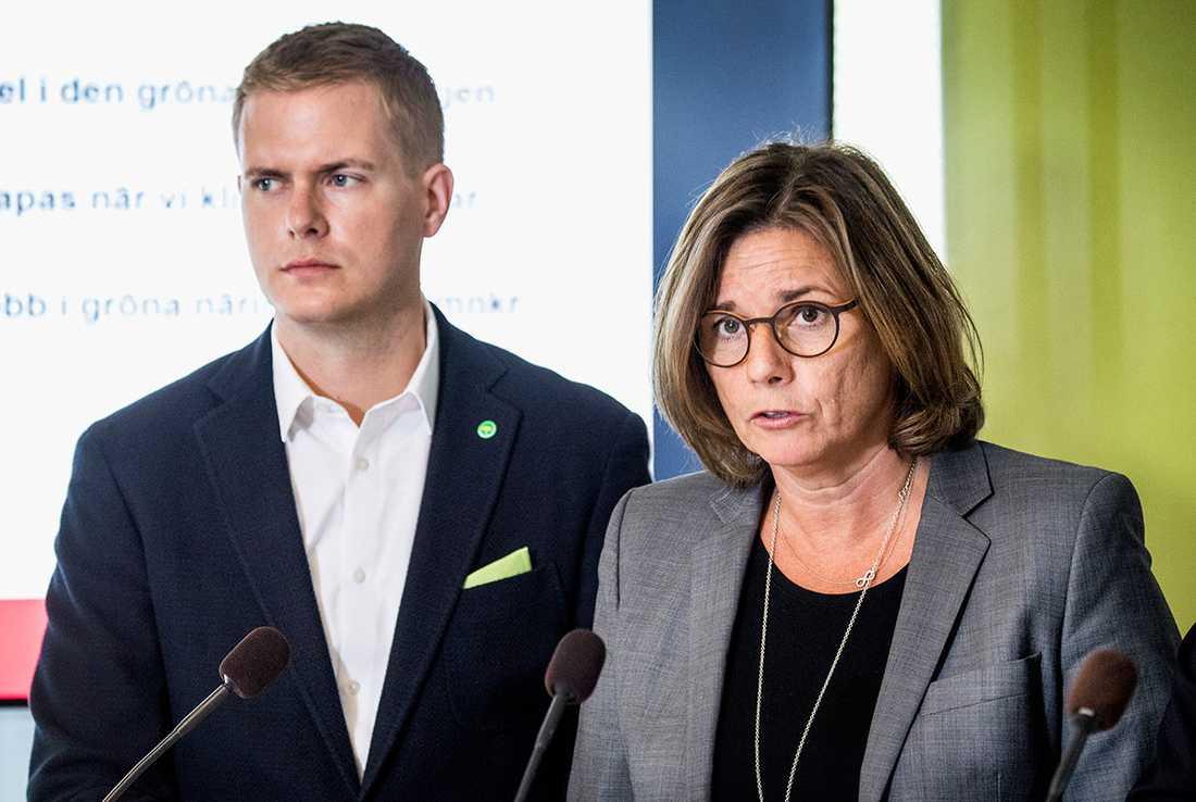 MP-språkrören Gustav Fridolin och Isabella Lövin.