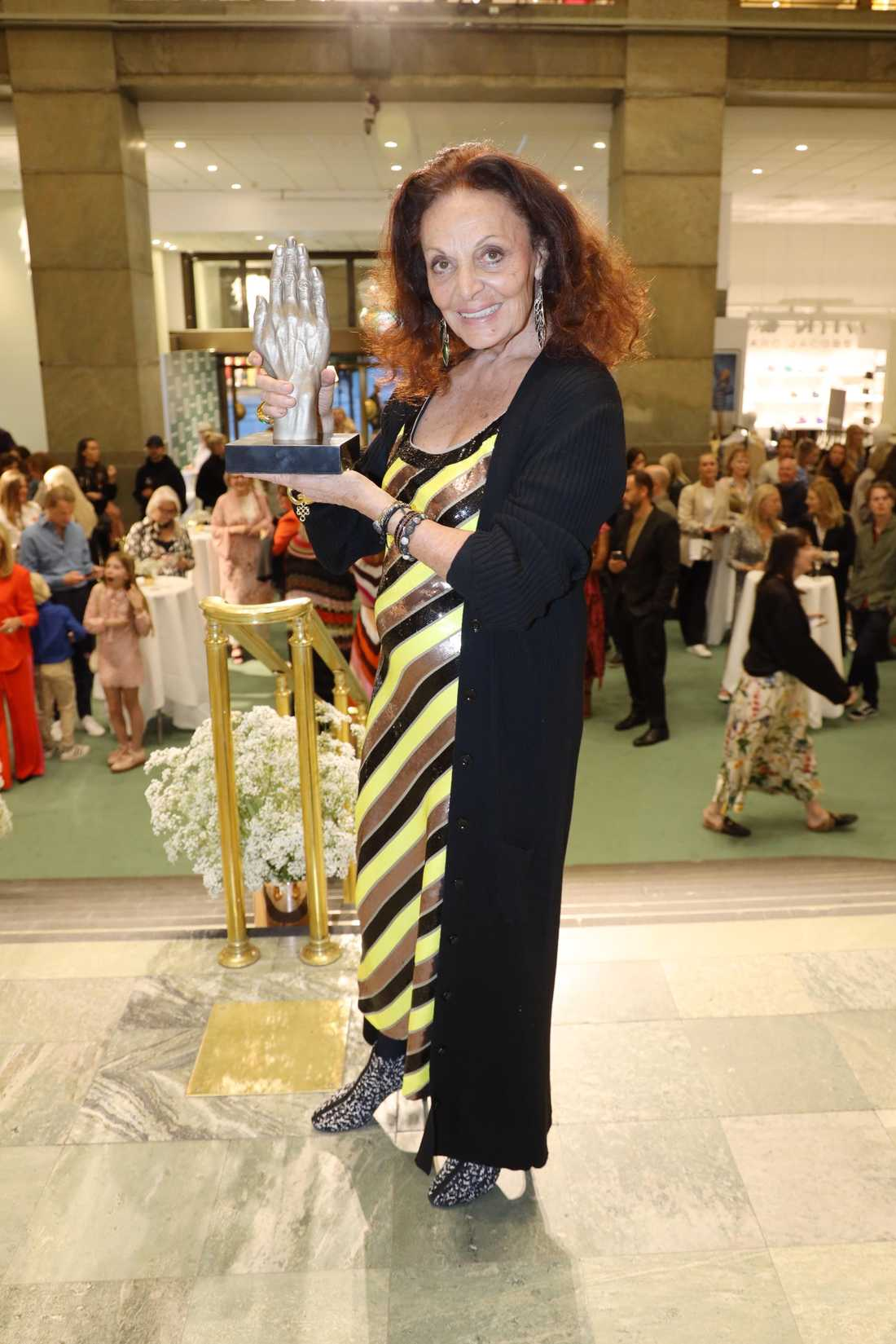 Modeikonen Diane von Furstenberg befinner sig i Sverige.