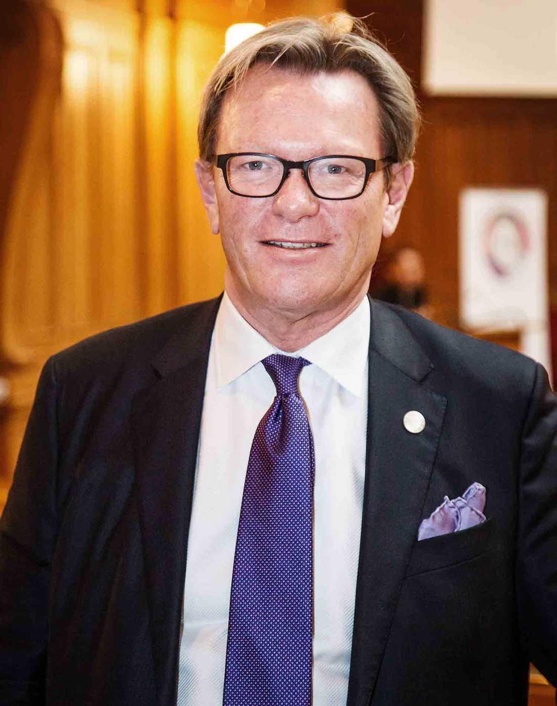 Moderatpolitikern Michael Svensson: Jag såg landet av mjölk och honung, men där mjölken och honungen bara fanns på ena sidan muren.
