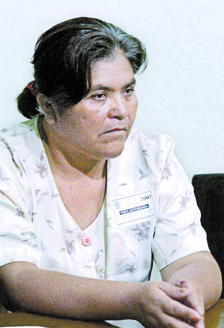 Sexbarnsmamman María Concepción Moreno Arteaga fick sitta i fängelse i två år efter att hon gett några emigranter vatten.