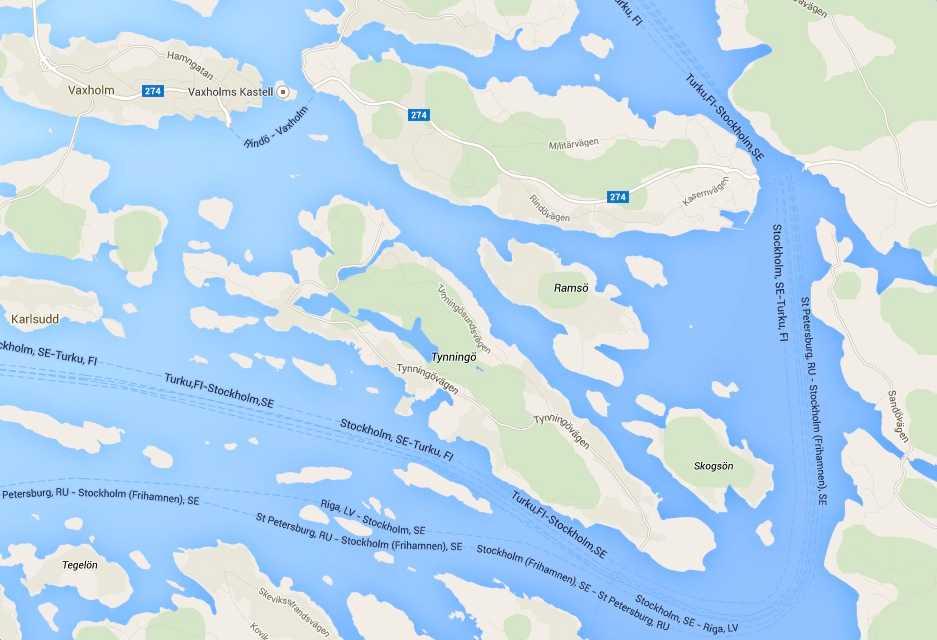 """Bostaden beskrivs som en """"modern skärgårdsdröm"""". och ligger i Stockholms skärgårdsmiljö i närheten av Vaxholm."""
