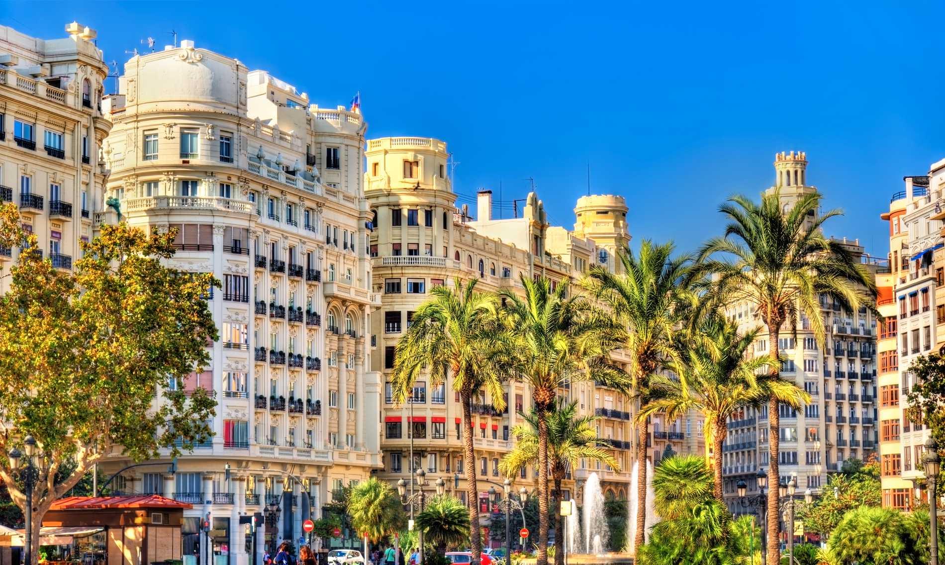 I Valencia finns både strand och stad.