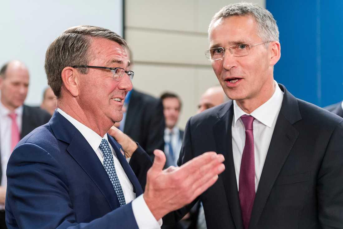USA:s försvarsminister Ash Carter och Nato-chefen Jens Stoltenberg.