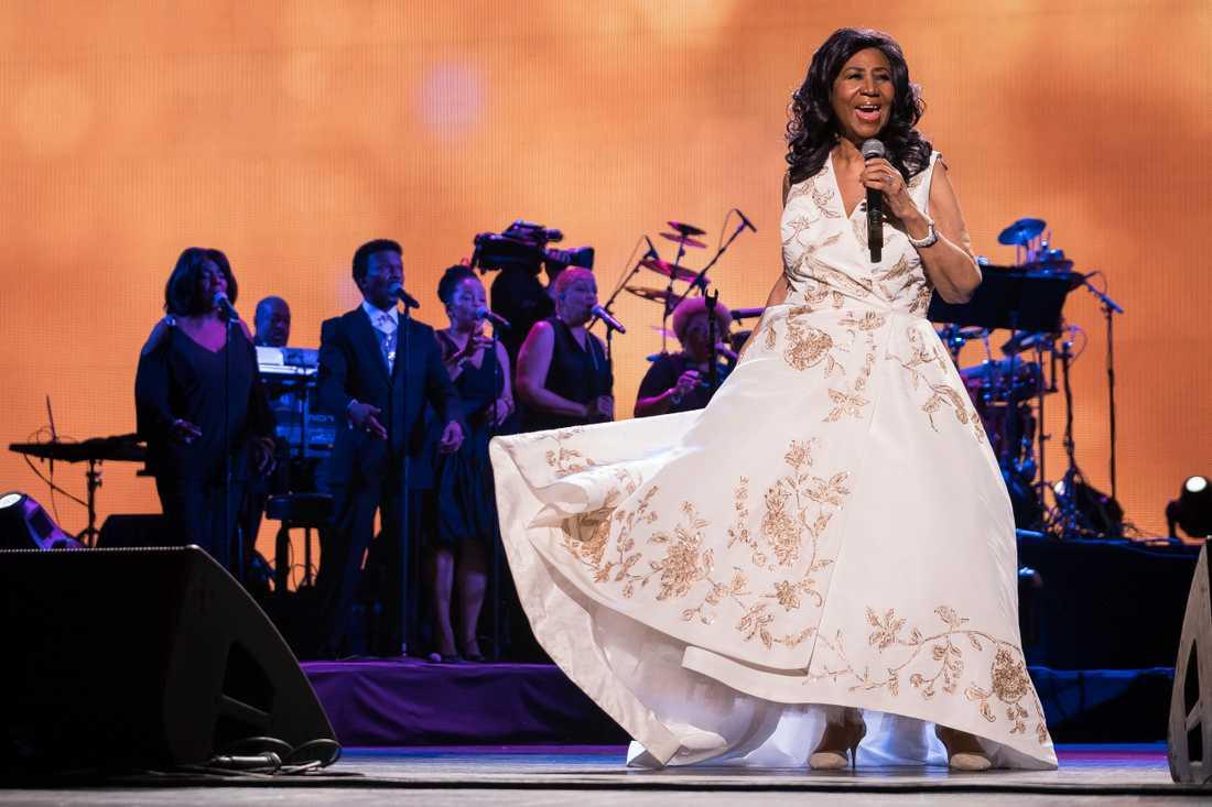 """Aretha Franklin uppträder på premiären av dokumentärfilmen """"Clive Davis: The Soundtrack of our lives"""" i april 2017."""