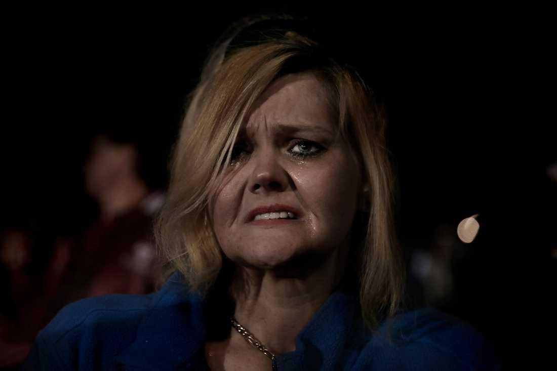 Jacklyn Dunlop gråter av känslor efter Mitt Romneys tal