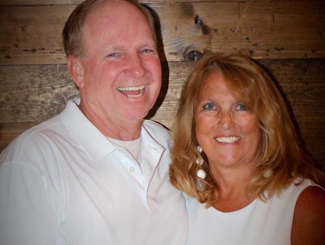 John vårdas på sjukhuset i Japan medan Melanie har förflyttats till en flygbas i USA.