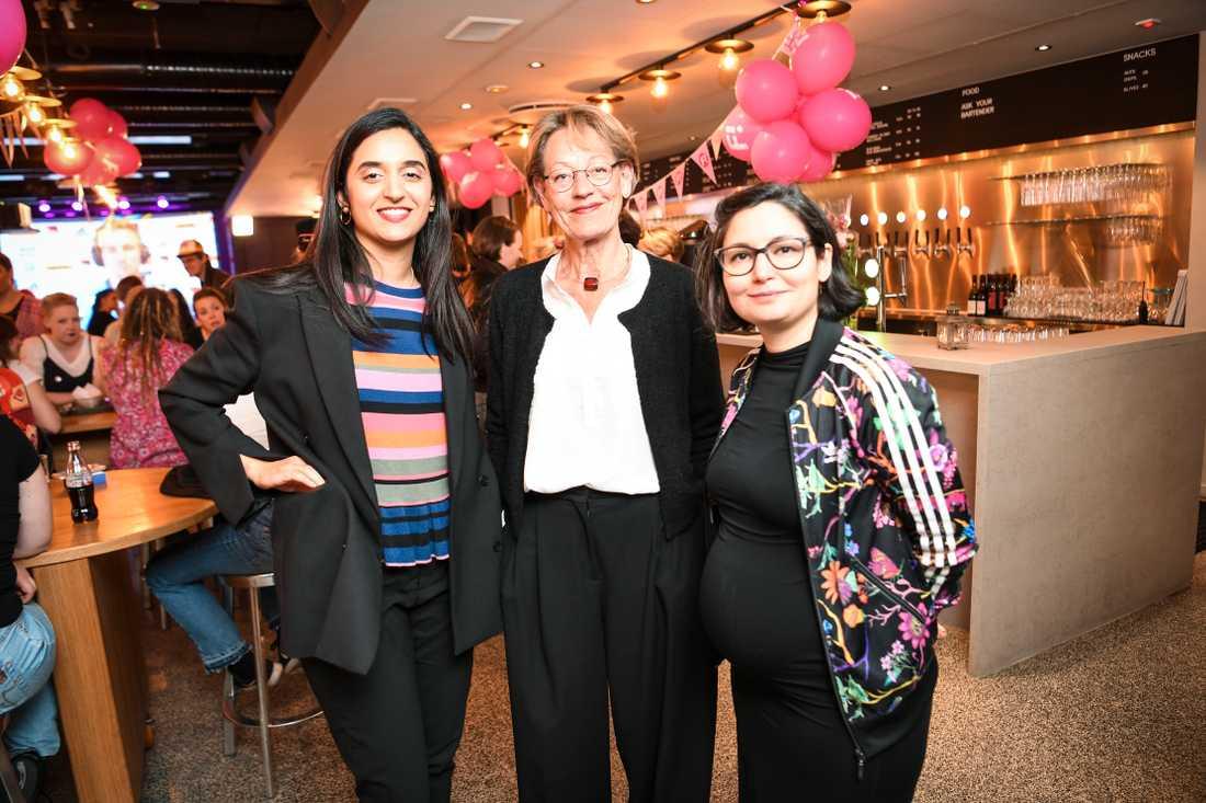 Farida al-Abani, Gudrun Schyman och Gita Navabi under Feministiskt initiativs (Fi) valvaka på Scandic Malmen i Stockholm.