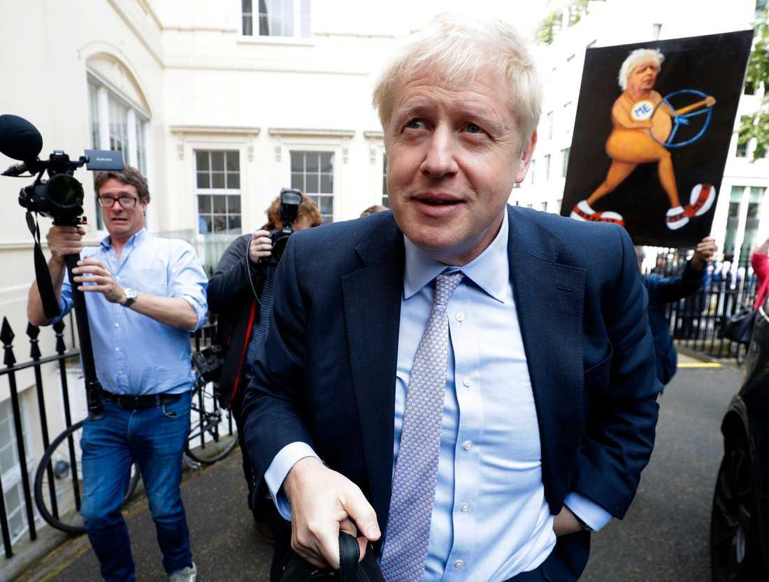 Den tidigare utrikesministern Boris Johnson är favorittippad som ny ledare för Konservativa partiet i Storbritannien.