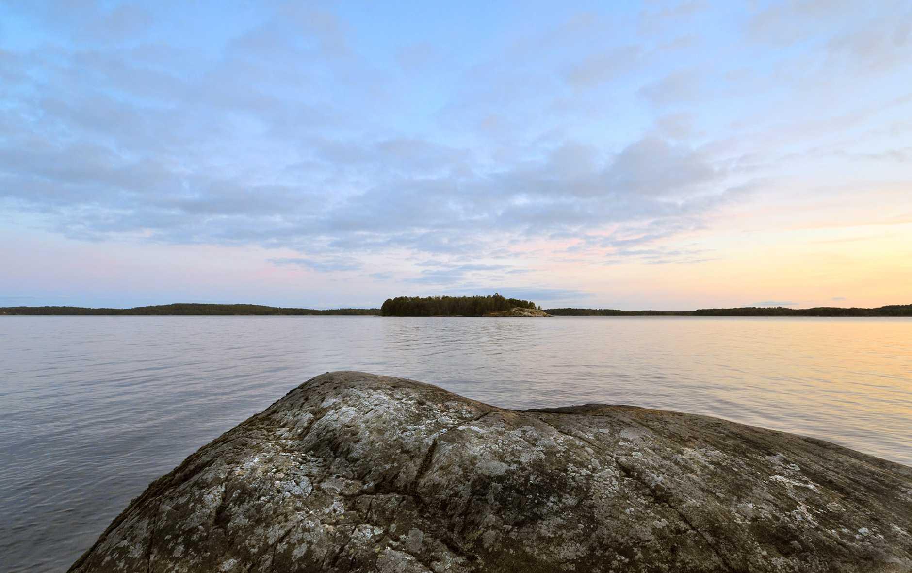 Fin vy över Mälaren från naturreservatet Frölunda