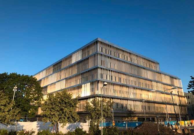 Den nya byggnaden tillhörande Danderyds sjukhus.