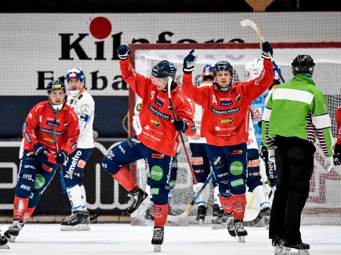 Edsbyn toppar tabellen i elitserien i bandy. Som sänds på Sportbladet