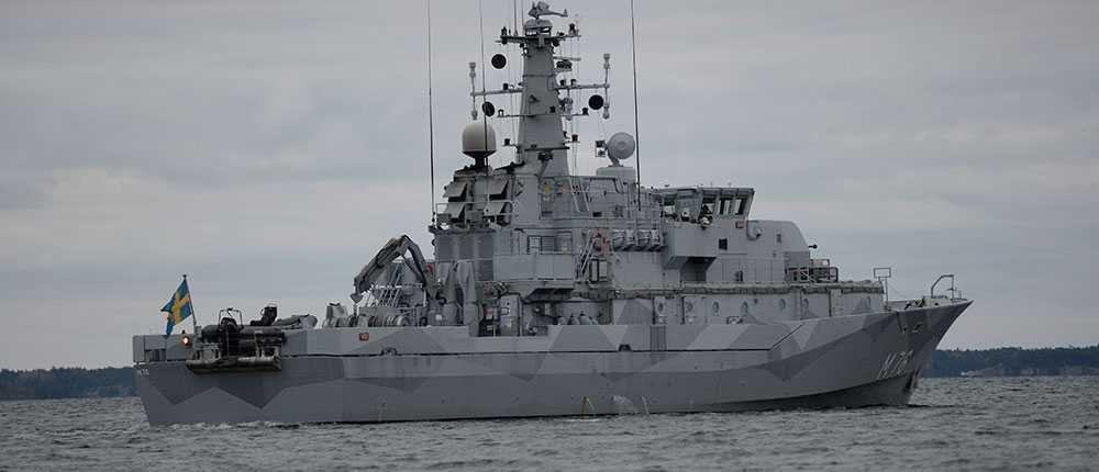Svenska flottans minröjningsfartyg HMS Ven deltar i operationen.