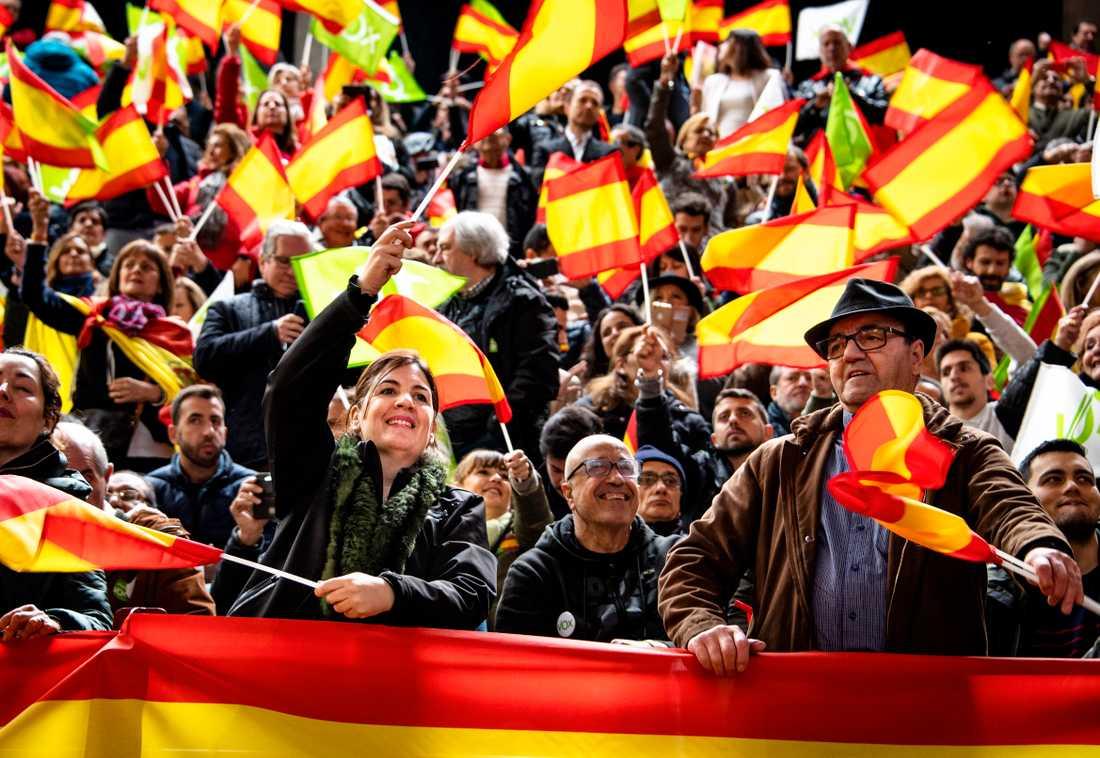 """Publiken ropar """"Viva Espana"""" med samma entusiasm som Trumpanhängarna ropar """"USA, USA"""" på hans möten."""