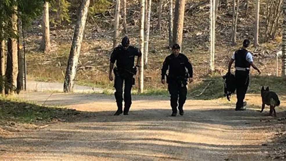 Polisen skickade flera patruller till platsen.