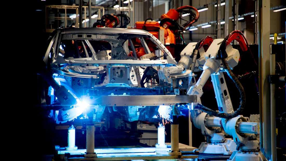 Just nu är det industrin som drar den svenska ekonomin, men situationen är skör.