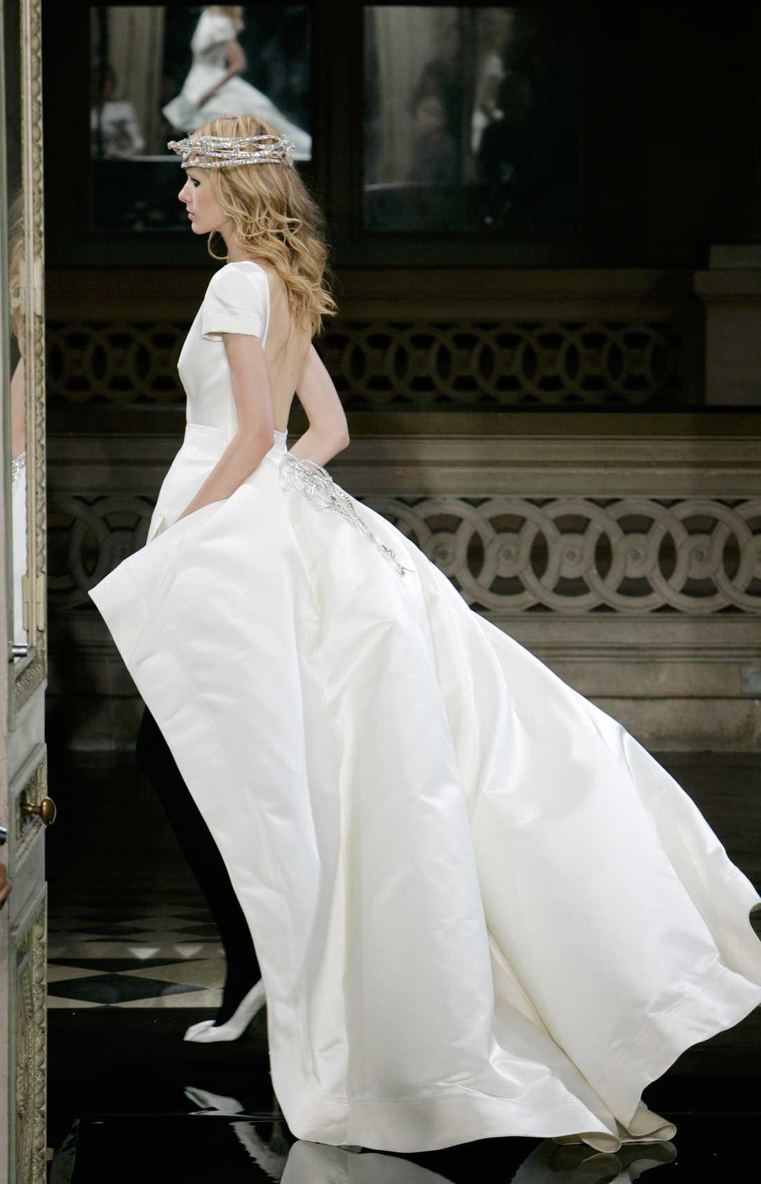 Inspirationsbild Brudklänning från den franska designern Stephane Rolland. Foto: AP
