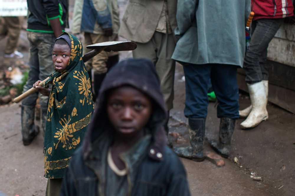 NICLAS HAMMARSTRÖM Barn får egentligen inte jobba i gruvan, men de gör det ändå.