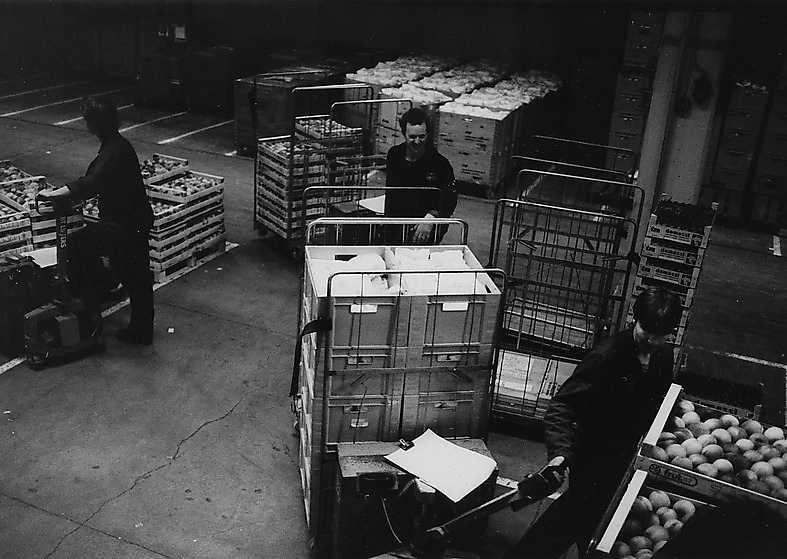 KF:s lager i Årsta utanför Stockholm på 1980-talet när skribenten Mikael  Nyberg jobbade där.