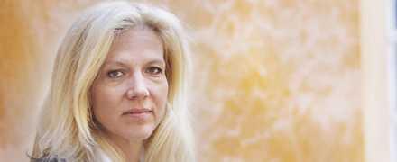 MOTSTÅNDARE. I dag kritiseras och ifrågasätts Liza Marklunds val av en agent som är dömd för kvinnomisshandel, en handling som hon arbetat emot. Liza Marklund har själv skrivit att beslutet att gå till den nye agenten har vuxit fram.