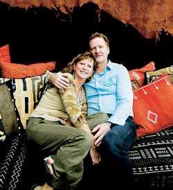 """""""Vi har gjort det vi ville i våra liv. Vi har haft fantastiska äktenskap fulla av kärlek med Poul och Ingergerd. Vi behövde inte känna någon skuld när vi blev kära på nytt i någon annan"""", säger Sven."""