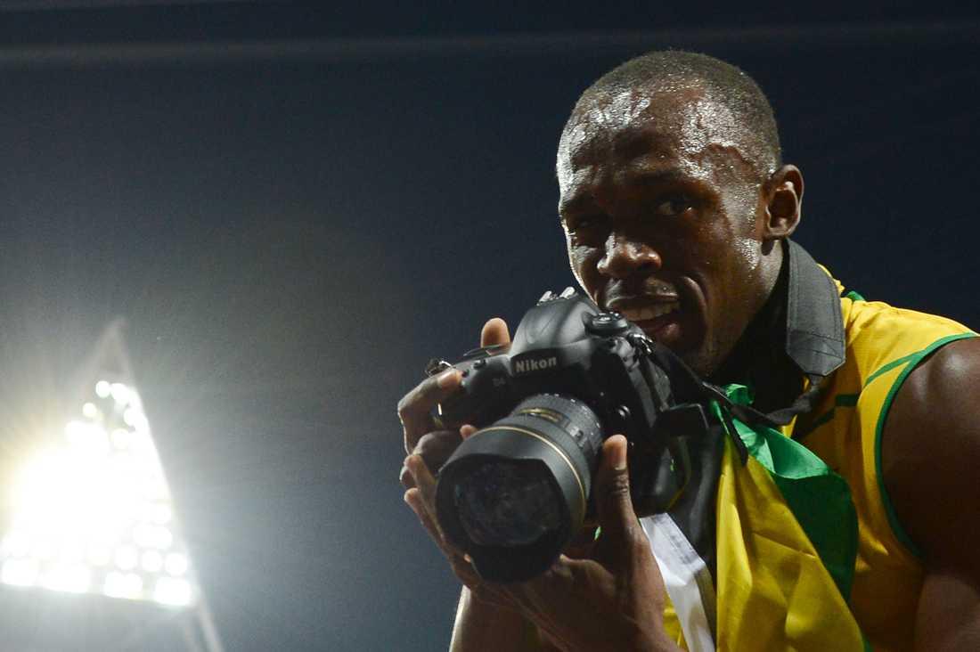 Intresset kring sprinterkungen Usain Bolt bidrog säkert till att Sportbladet slog alla tidigare rekord i samband med London-OS. Under vecka 32 besöktes sajten av drygt 2,5 miljoner besökare, fler än någonsin. Samtidigt lästes Sportbladets mobilsajt av nästan 1,3 miljoner unika användare, också det nytt rekord. Här lånar Bolt Aftonbladets Jimmy Wixströms kamera.