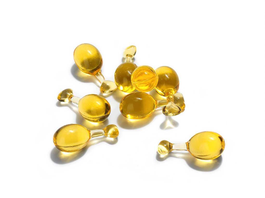 """Wildrose smoothing facial oil capsules"""" från Weleda för 249 kronor är engångs-kapslar med ansiktsolja med naturliga växtoljor och doft av rosor."""