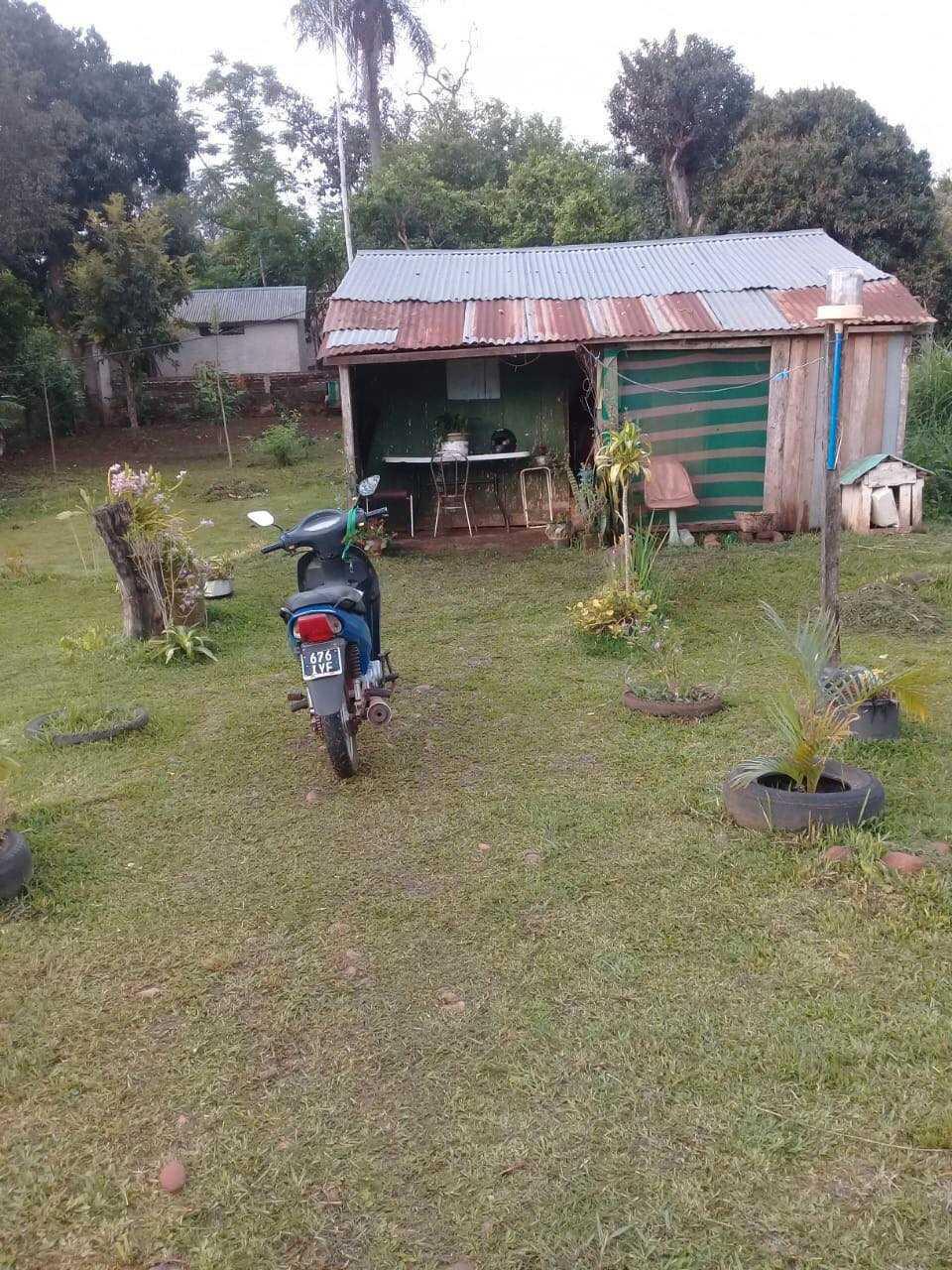 Här är huset som mamman bor i med sin sambo.