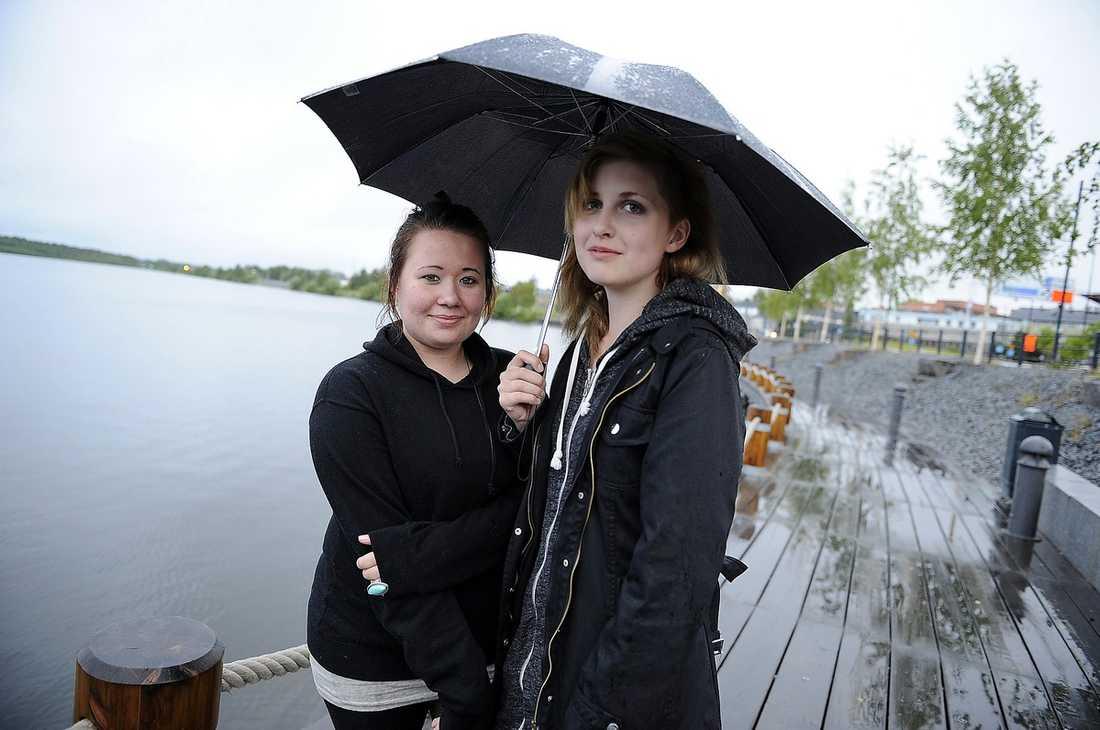Ida Pirttijärvi och Liza Ekersund. Luleå, 21 juni, 24.00