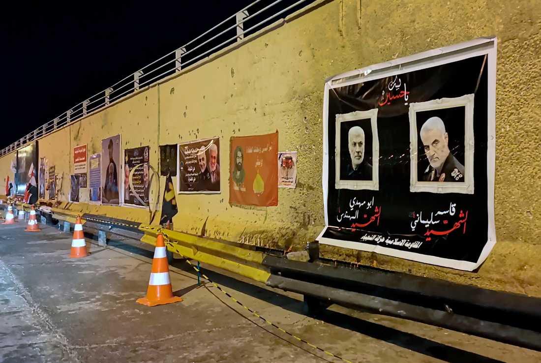 Fotografier på iranske Qassem Soleimani och irakiske Abu Mahdi al-Muhandis på platsen där de dödades i en drönarattack i januari 2020. Arkivbild