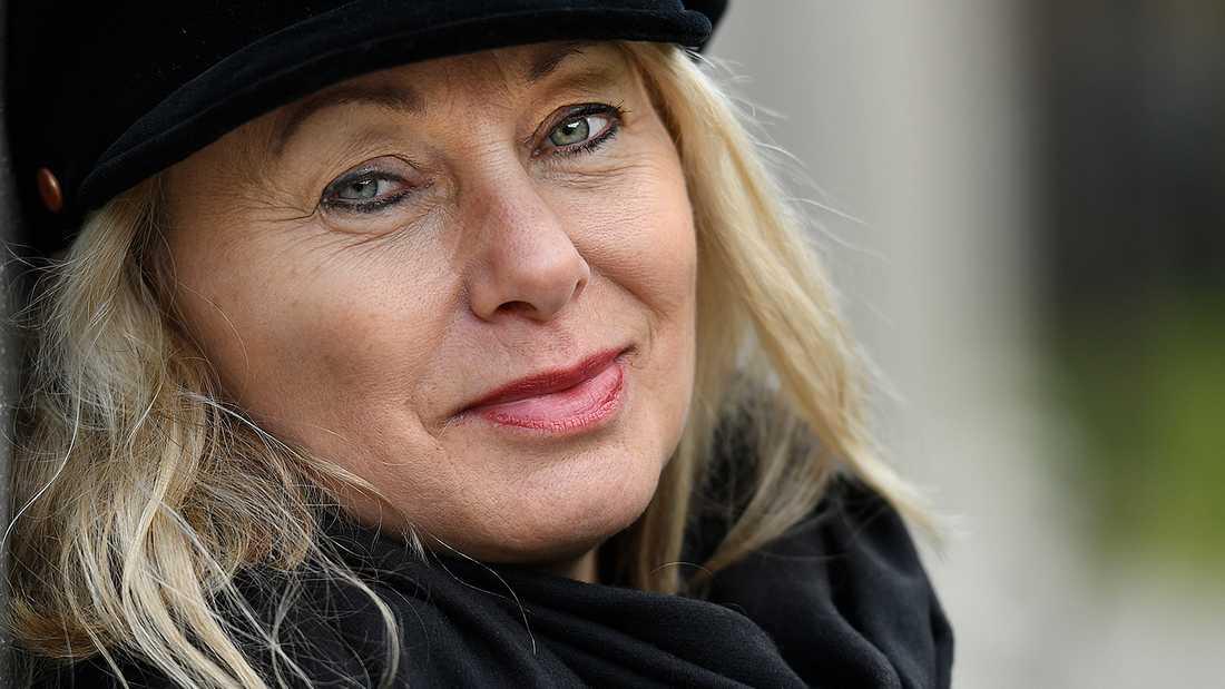 Louise Hoffsten.