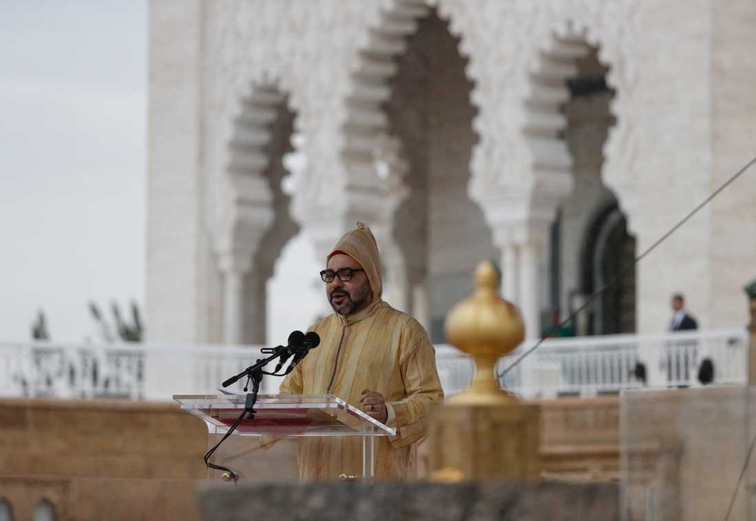 Kung Mohammed VI i samband med ett tal under påve Franciskus besök i våras. Arkivbild.