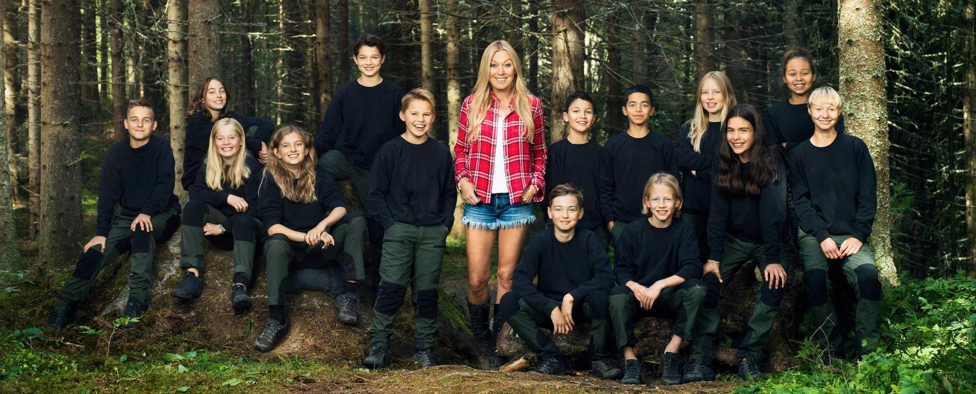 """Linda Lindorff och årets """"Wild kids""""-deltagare."""