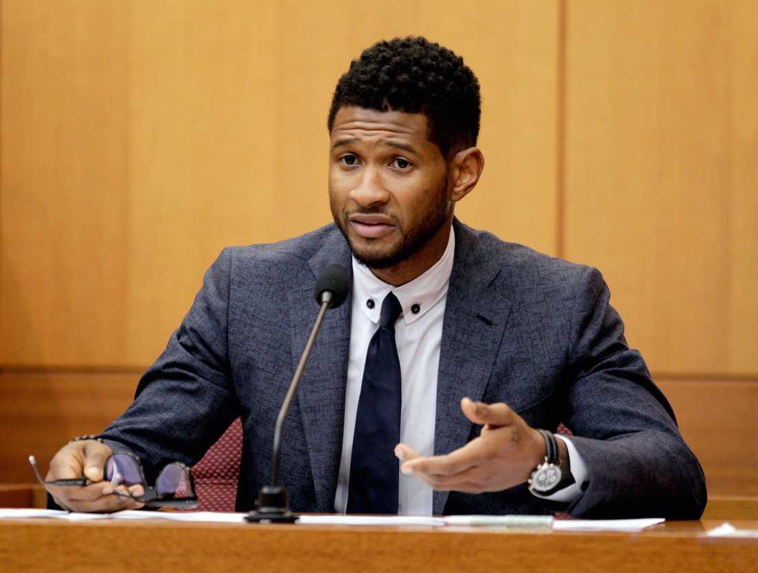 Två kvinnor och en man anklagar Usher för att ha dolt att han bar på herpesviruset