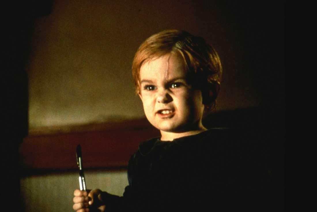 Miko Hughes återvänder från de döda i första filmen.