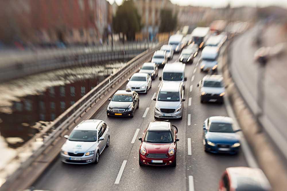 Många bilar får höjd skatt med regeringens förslag.