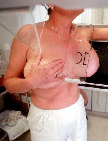 Mammografiundersökning.