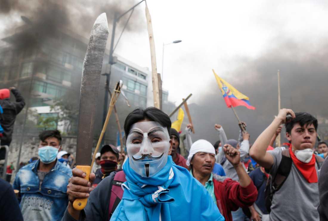 Demonstranternas missnöje handlar till stor del om slopade bränslesubventioner.
