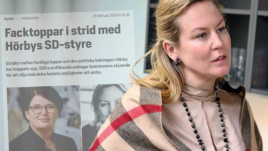 Hörbys politiker sticker ut i Sverige med hot och svepande anklagelser om att fackförbund är politiserade. Det är oacceptabelt – och vi är partipolitiskt obundna, skriver samtliga Sacoförbund och Sacos ordförande. På bilden Hörbys kommunalråd Cecilia Bladh in Zito.