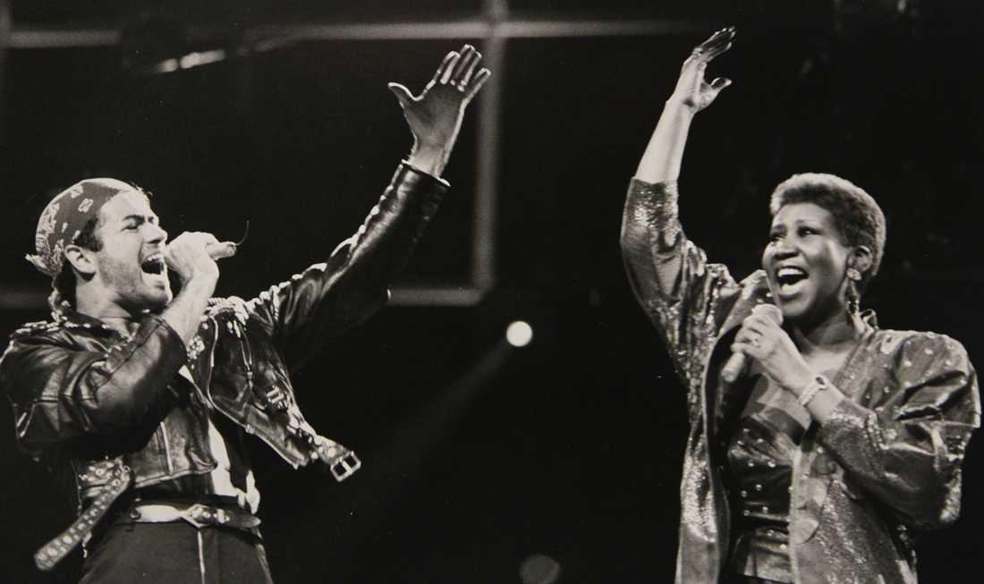 """I duett med George Michael under dennes """"Faith world tour"""" den 30 augusti 1988."""