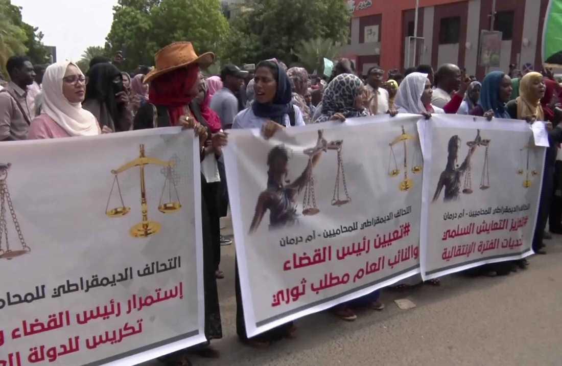 Bilder från protestmarschen under torsdagen i Sudans huvudstad Khartum.